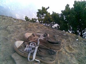sepatu di puncak gede