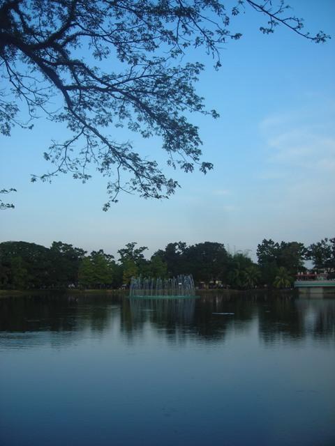 Taman Kambak Iwak. Tempat joggingnya orang-orang di Kota Palembang.