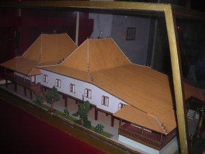 Miniatur Rumah Limas, rumah adat Palembang