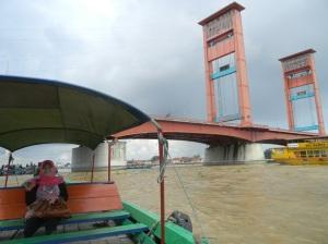 Naik getek di Sungai Musi