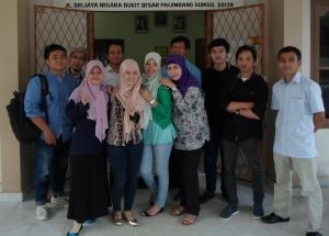 Kuliah di hari terakhir, bersama teman-teman Palembang yang baik.