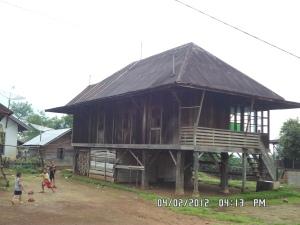 Pagar Alam. Sebuah rumah panggung tradisional orang Pagar Alam.